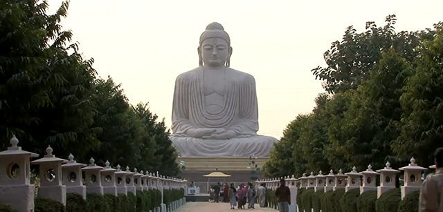 The-Great-Buddha-Statue-Bodh-Gaya-India-HD (1)