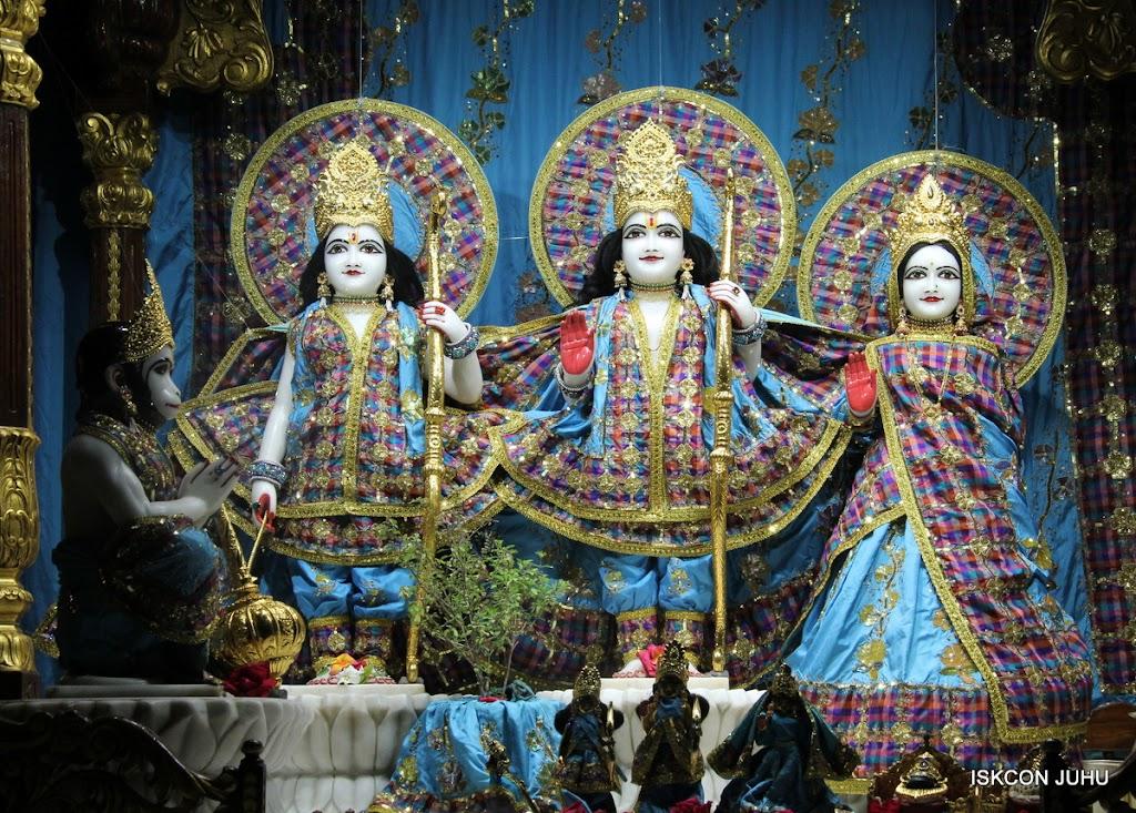 ISKCON Juhu Mangal Deity Darshan 09 Apr 16 (7)