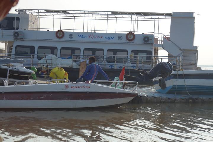Omkareshwar and Hanmuntiya water resort - DSC06539.JPG