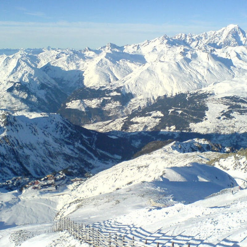 Les_Arcs_43 Arcs 2000 from Aiguille Rouge.jpg