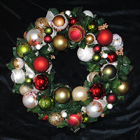 OWR8034 Noel Wreath Centerpiece