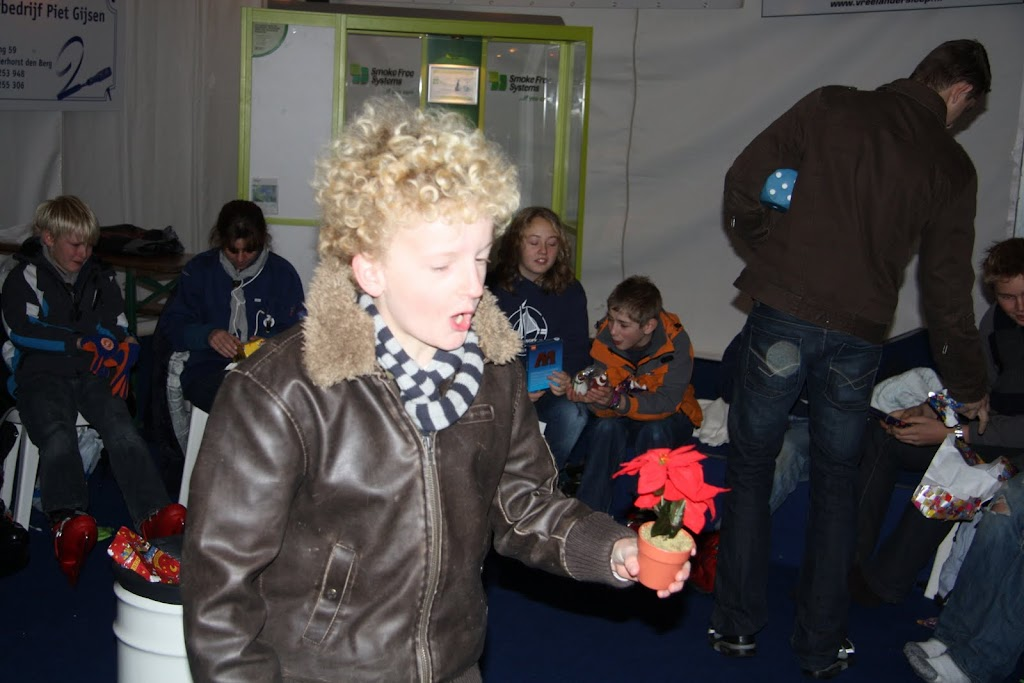 Sinterklaas bij de schaatsbaan - IMG_0434.JPG