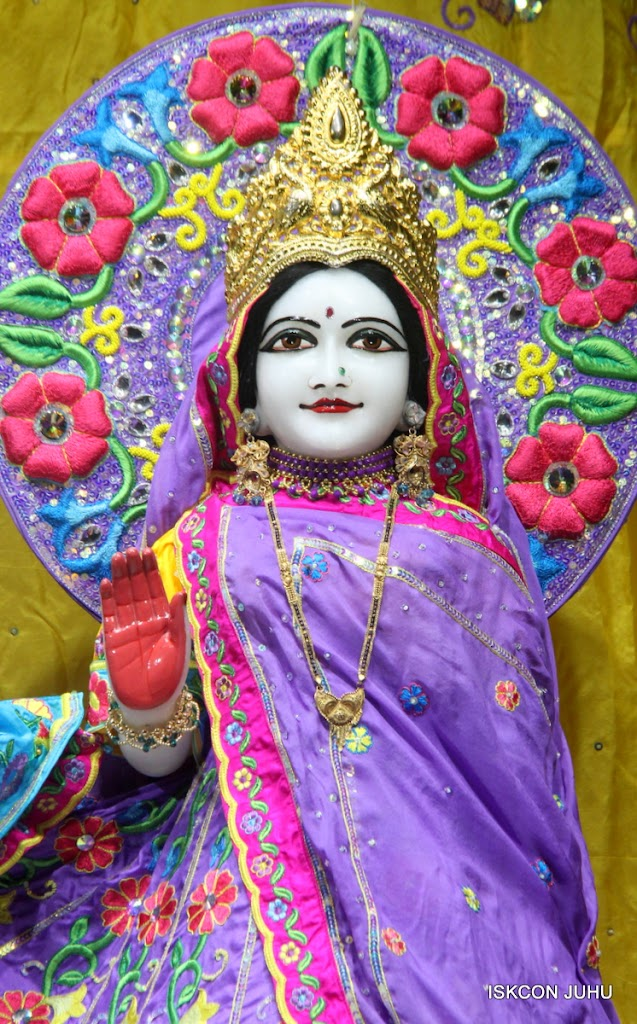 ISKCON Juhu Mangal Deity Darshan on 10th July 2016 (7)