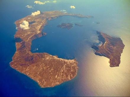 Γεράσιμος Παπαδόπουλος : Οι κίνδυνοι από τα ελληνικά ηφαίστεια – Τι περιμένουμε από Σαντορίνη