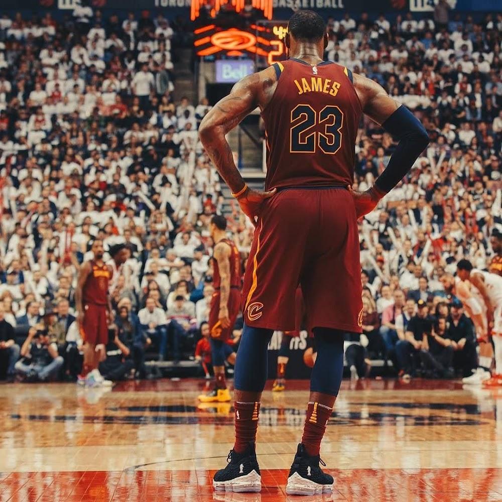 43ff13a5126e ... The King Enters LEBRONTO Mode in Nike LeBron 15 4 Horsemen PE ...