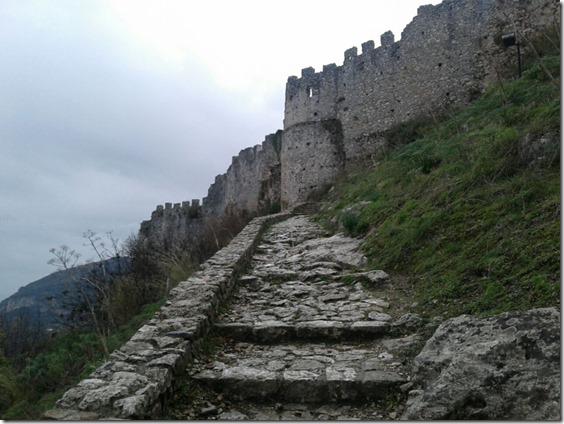замок Містра