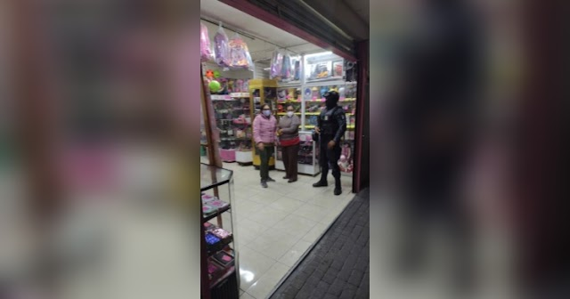 Policía municipal de Zacatelco verifica el cierre de negocios no esenciales a la hora establecida