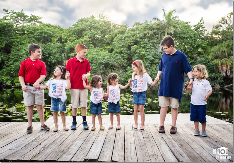 Extended-Family-Photo-Session-Hugh-Taylor-Birch-State-Park-FL-Photographer--8
