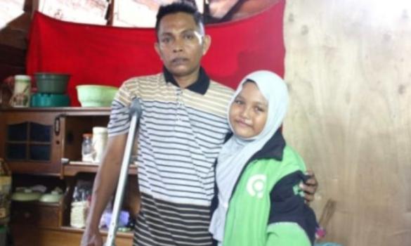 Perjuangan Gadis 9 Tahun pengapal Al Qur'an di Palu Ikut Jadi Ojol demi Biaya Pengobatan Ayahnya
