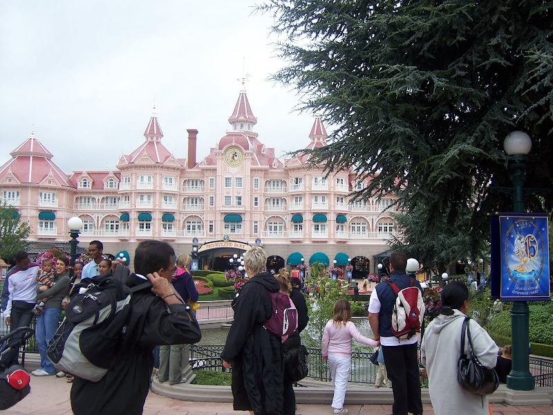 Disneyland, Paris - 100_3467.JPG
