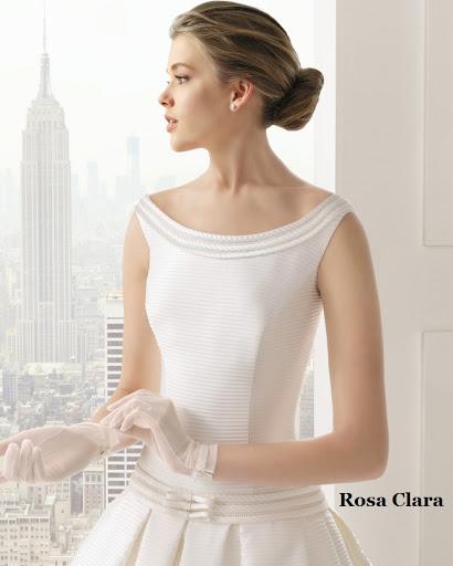 Rosa Clara vestido de novia escote bandeja o barco