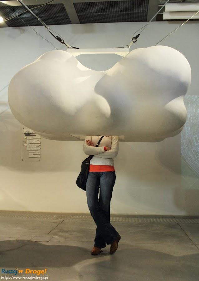 Kasia z głową w chmurach
