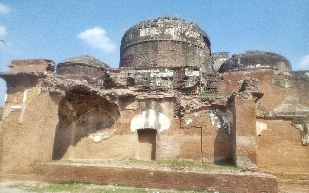 three_domes_mosque