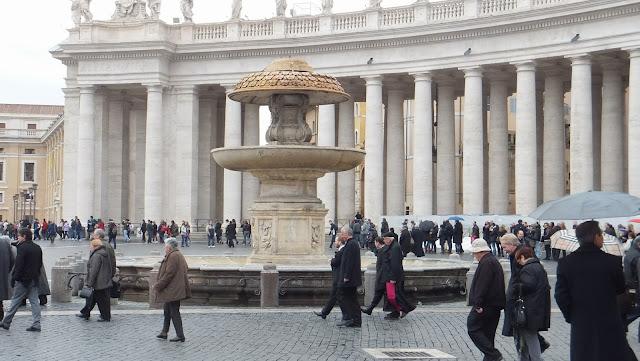 Fontana, Piazza San Pietro, Vaticano, Roma. Elisa N, Blog de Viajes, Lifestyle, Travel