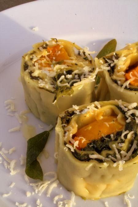 Pastarolle Gefüllt Mit Spinat Kürbis Und Ricotta
