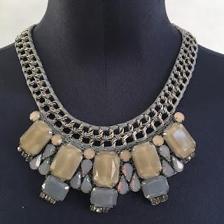 Karen Millen NEW Knit Beige/Grey Stone Necklace