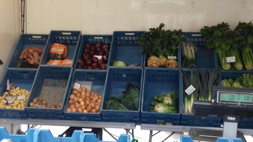 De Kleuters maken zelf een fruit- en groentewinkel. - 17.jpg