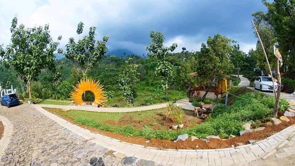 pemandangan yang sangat indah di tempat wisata durian Park Wonosalam
