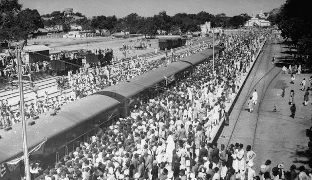 Hajis departing at Nampally Station