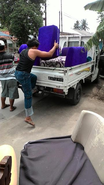 service sofa bekasi murah antar jemput