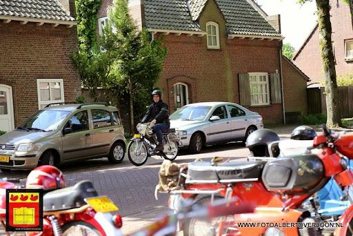 oldtimer bromfietsclub De Vlotter overloon 02-06-2013 (30).JPG