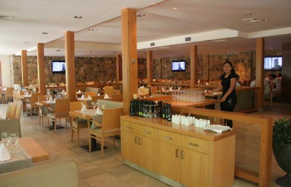 Terrassa Restaurant Playa Montroig.jpg