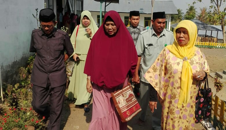 Ketua Majelis Zikir Raodhatul Jannah Anjangsana Ke Pondok Pesantren Darunnaiem Desa Pesse