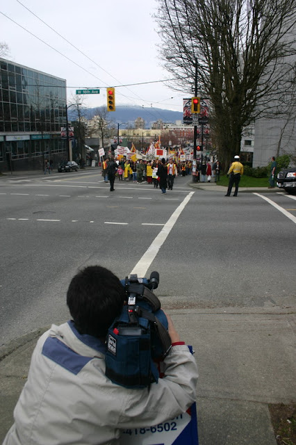 Global Protest in Vancouver BC/photo by Crazy Yak - IMG_0388.JPG