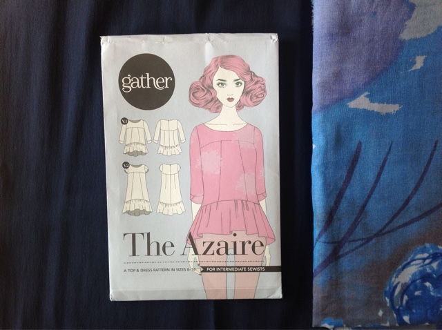 dear azaire Hello, my dear sewing friends, it is the day to show our garment sewn in april for our capsule wardrobe #jecoudsmagarderobecapsule2017 the sewing pattern the azaire by gather was love of first sight.