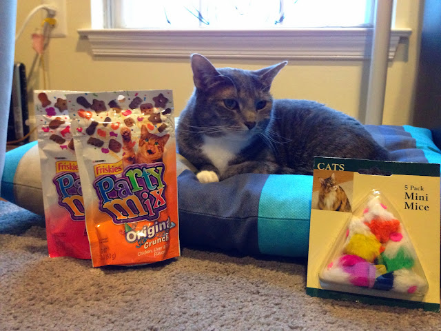 kitty with prizes