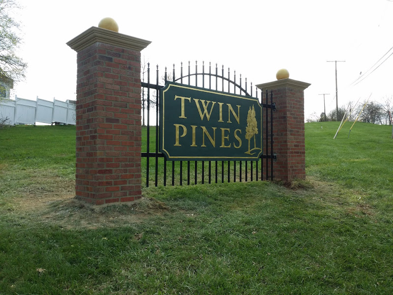 Twin Pines Community Entrance Sign