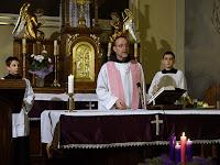 14 Az Adventi szentmisét Cirill atya, ferences rendi szerzetes mutatta be .JPG