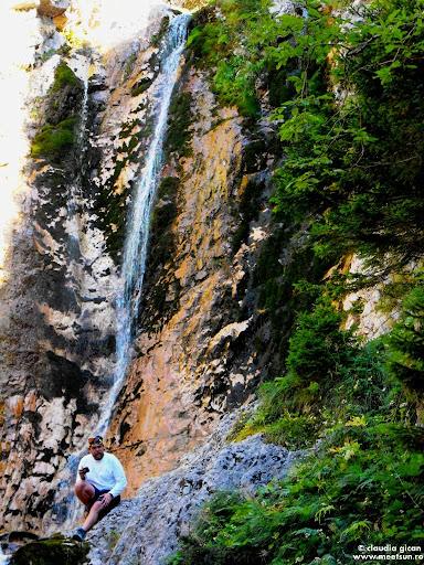 Bucegi. Cascade in munti. Cascada Moara Dracului