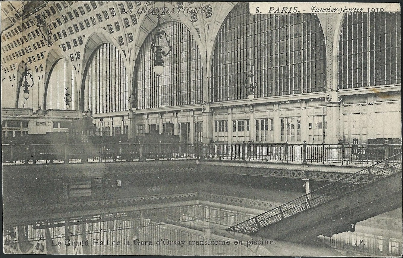 Orsay orl ans train crue paris for Piscine orsay