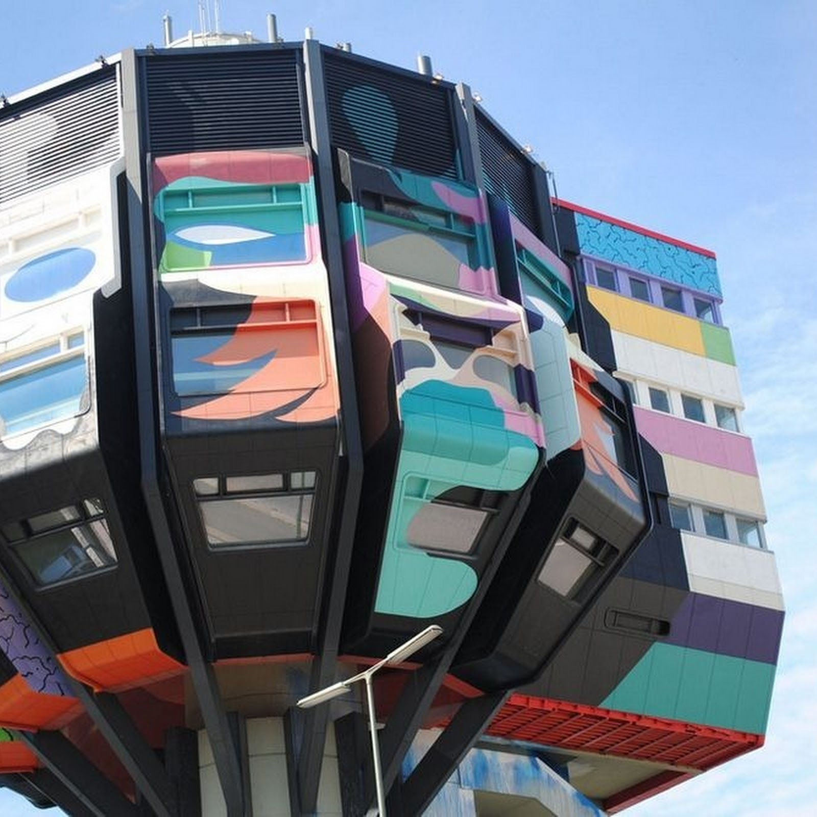 Bierpinsel: Berlin's Beer Brush Building
