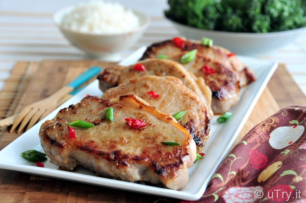 Check out the secrets on how to make these Umami Pan Seared Pork Chops.  They are golden brown on the outside, tender and juicy on the inside.  http://uTry.it