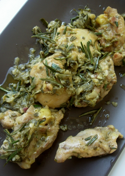 pollo con rosmarino, salvia e aglio