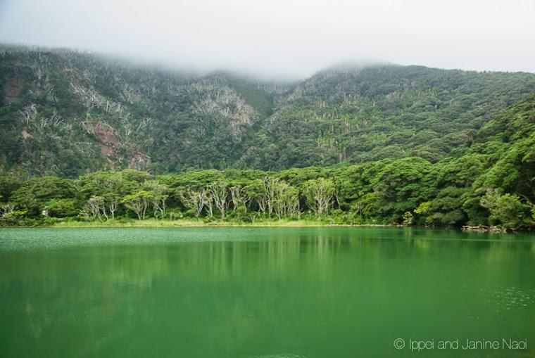 phong cảnh tuyệt đẹp ở hồ nước trên đảo miyakejima