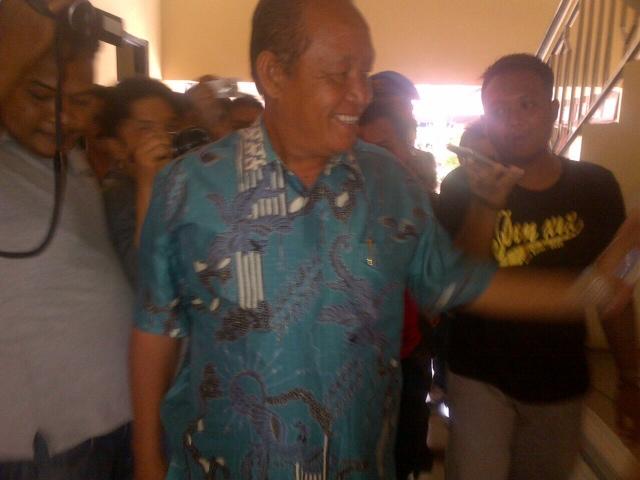 Bareng 5 PNS dan 2 Anggota Dewan, Wawalikota Suyitno Jalani Pemeriksaan Tim Penyidik KPK