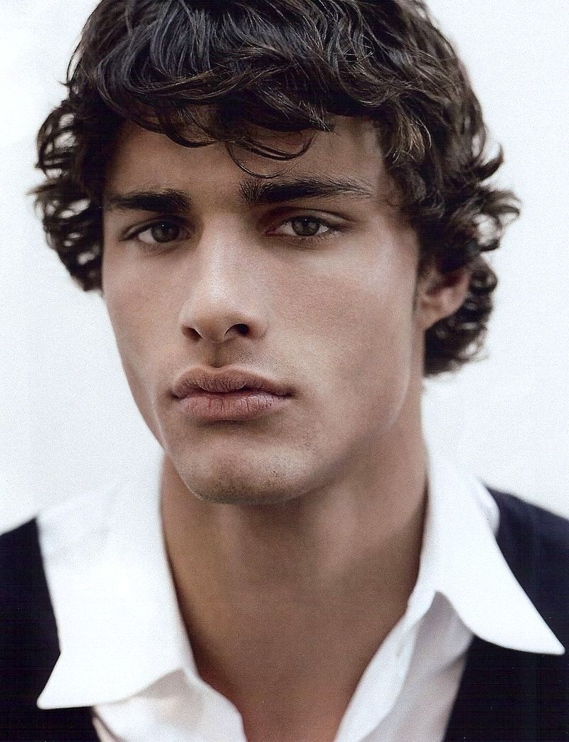 The Most Beautiful People on Earth: LEANDRO MAEDER