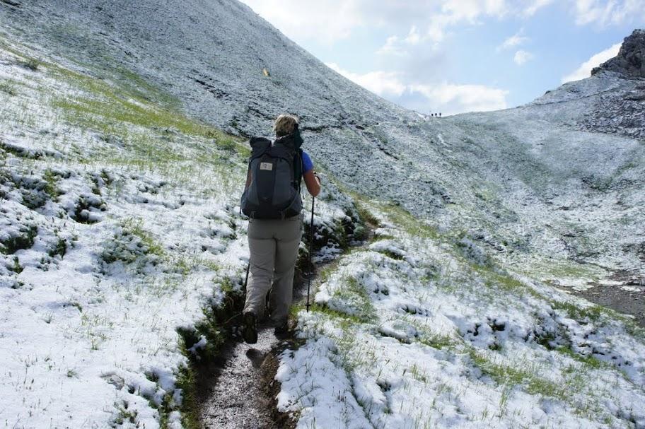 Schnee auf dem Weg zum Fürggele