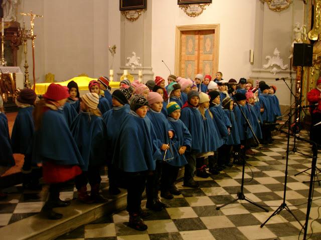 11.12.2012 Galakoncert v rámci 10. ročníku festivalu dětských pěveckých sborů - DSC06893.JPG