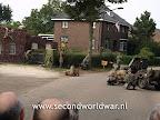 Eerde, reenactment, 101st airborne, en duitse fallschirmjagers voor de operatie market garden herdenking