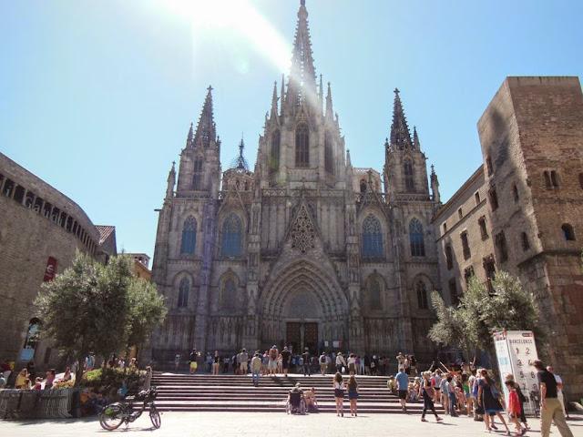 Off Topic>> - Página 25 Catedral-barcelona-exterior