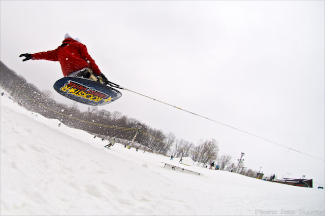 Kneeboarding in the snow