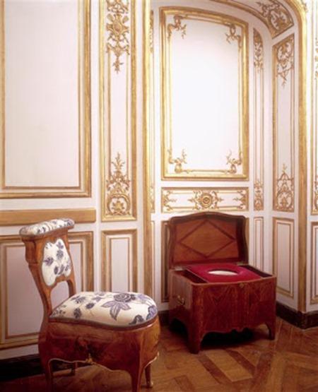 Versailles_chaise-de-Louis-XVI