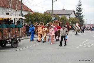 Mieszkańcy Bucza w Pochódzie z okazji Święta Trzech Króli w Brzesku, 6.01.2013
