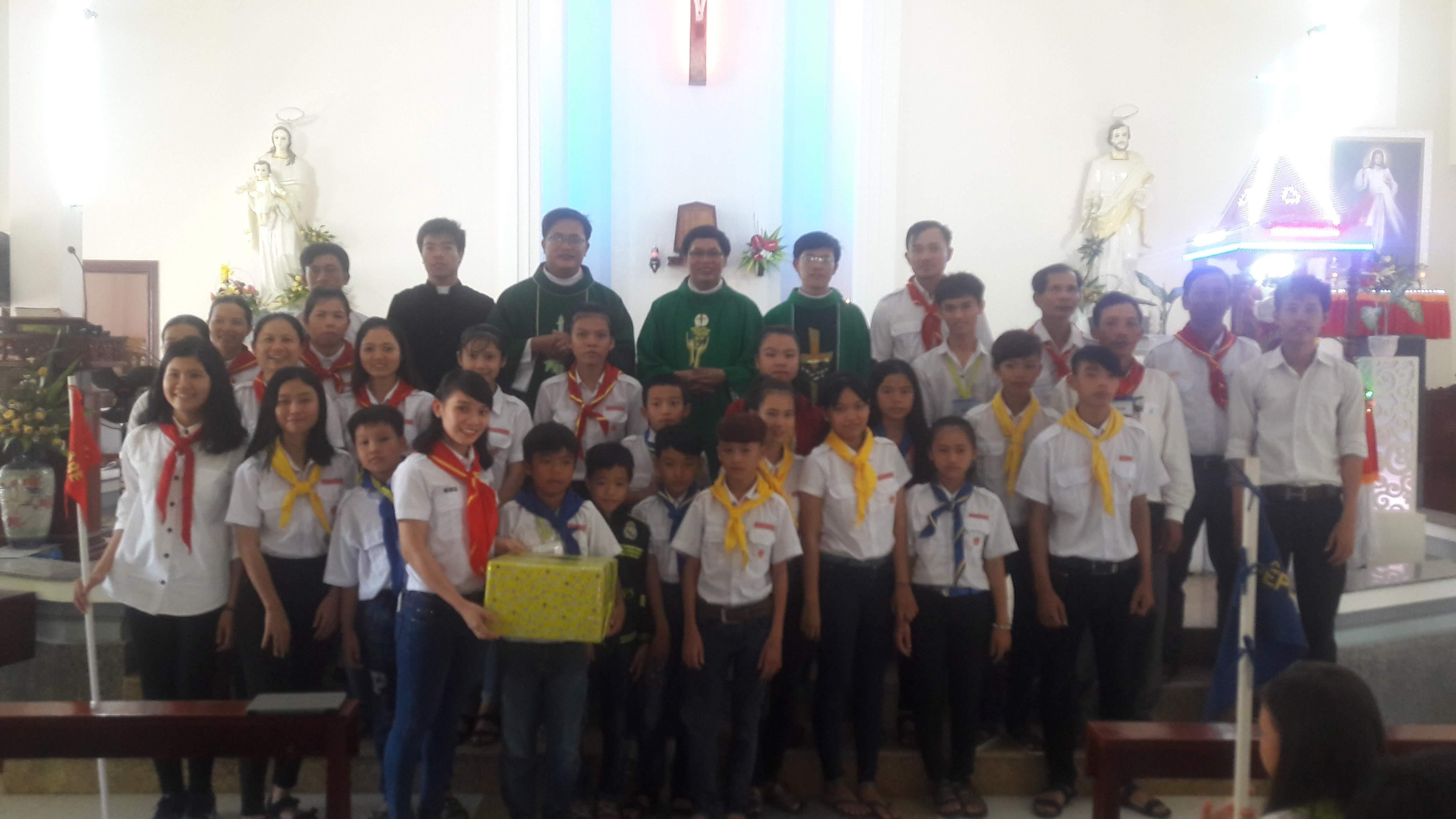 Trại hè Thiếu Nhi Thánh Thể giáo xứ Tân Quán