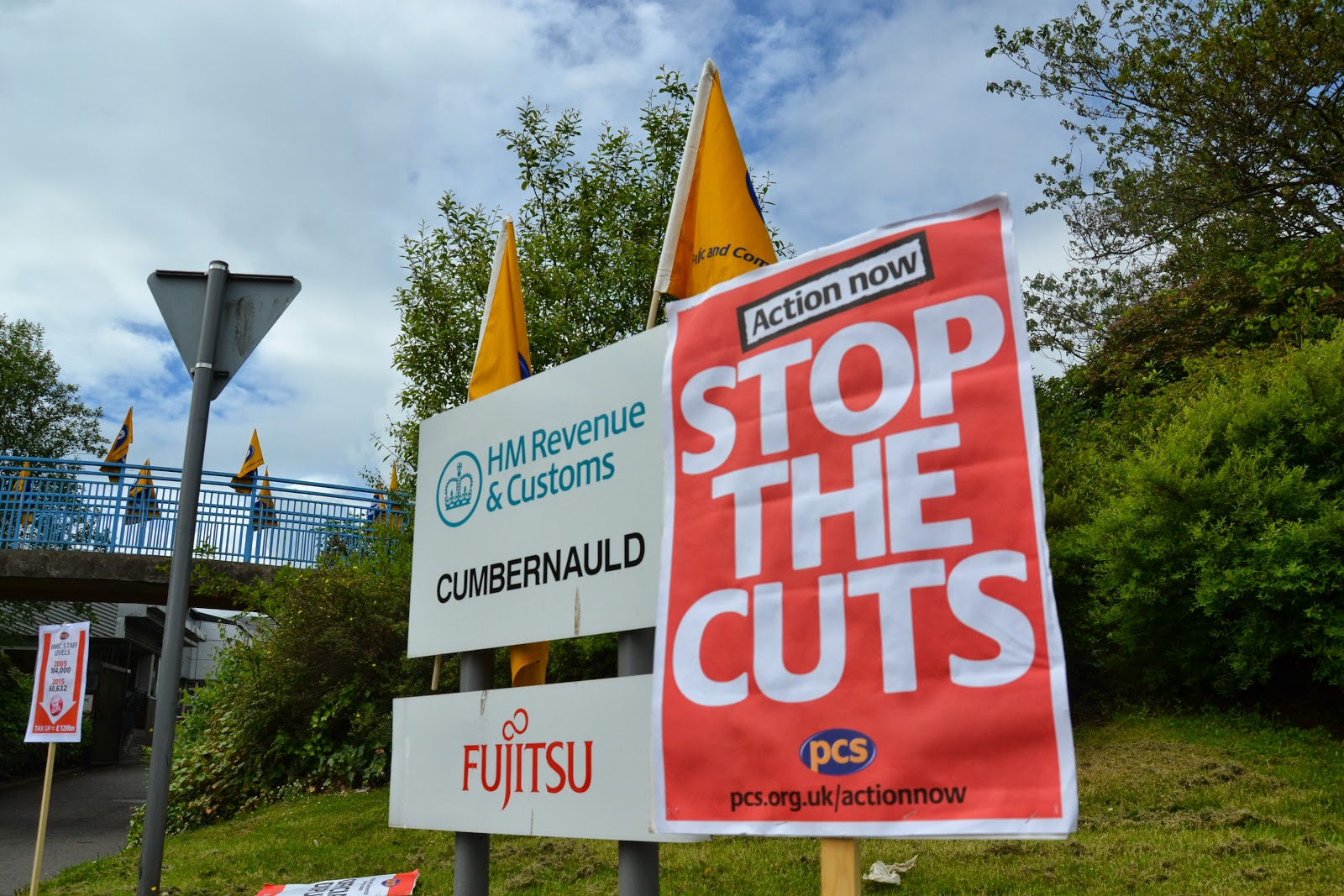 23-06-2014 - By Scott Campbell (+44) 0774 296 870 - PCS HMRC Cumbernauld strike, 23 June 2014; 'Stop the cuts' sign.