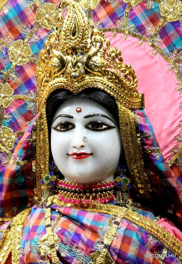 ISKCON Juhu Mangal Deity Darshan 09 Apr 16 (20)